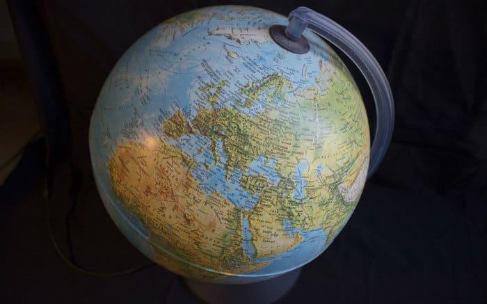 Imagem de Globo para ilustrar texto sobre roteiro de viagem para Europa