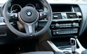 Imagem de carro para ilustrar matéria sobre como usar fgts no consórcio de automóvel
