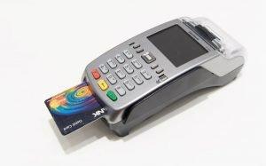 imagem de maquininha de cartão para ilustrar texto sobre como ter máquina de cartão