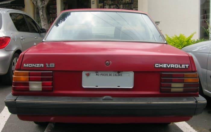 Foto de Monza para texto sobre carros clássicos brasileiros