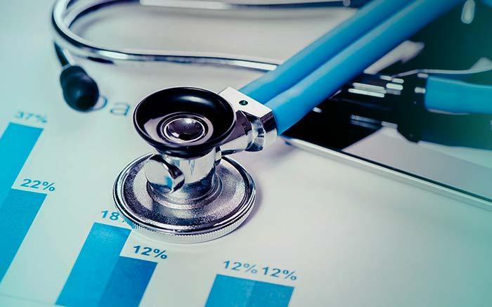 Imagem de equipamento médico para texto sobre como diminuir gastos com plano de saúde