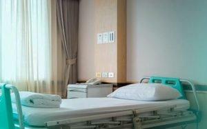 Imagem de quarto de hospital para ilusrar texto sobre mudança de enfermaria para apartamento