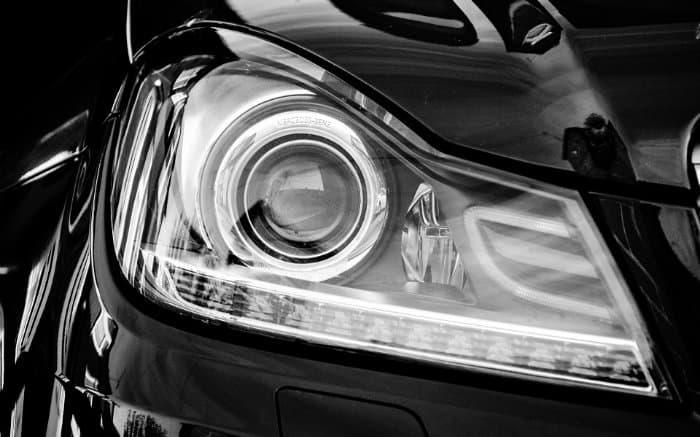 Imagem de carro novo para ilustrar texto sobre Garantia Zero km