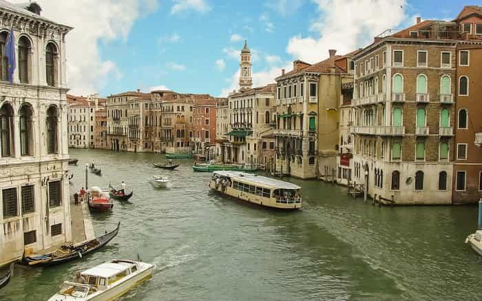 Foto de Veneza para ilustrar texto sobre lugares para viajar a dois.