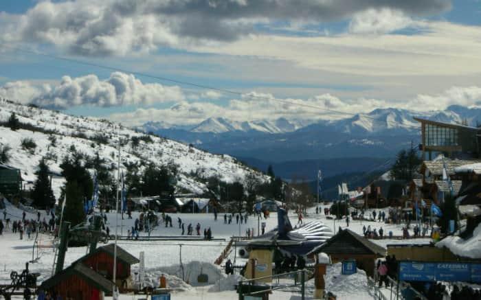 Foto de Bariloche para ilustrar texto sobre lugares para viajar a dois.