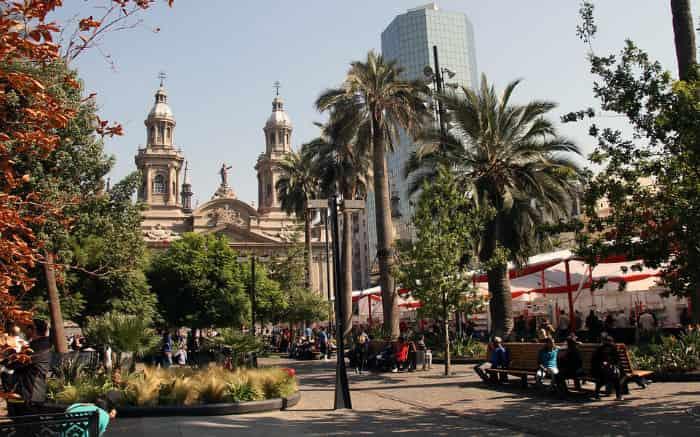 Imagem de Santiago para texto sobre destinos internacionais baratos