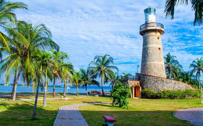 Foto de Cartagena para texto sobre destinos internacionais baratos.