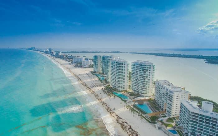Foto de Cancun para texto sobre destinos internacionais baratos