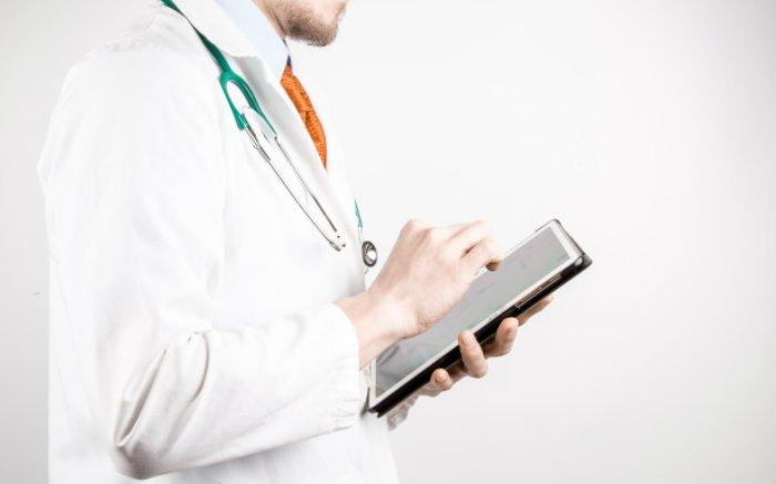 Imagem de médico para texto sobre convênio médico