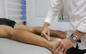 Imagem de paciente na fisioterapia para texto que explica se convênio cobre fisioterapia