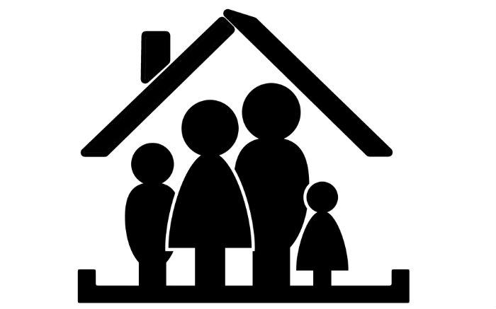 Desenho de família dentro de uma casa para ilustrar texto sobre como cancelar seguro de vida.