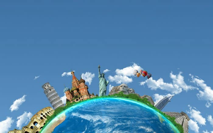 desenho de globo para ilustrar texto sobre seguro viagem com cobertura anual