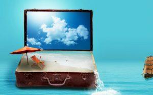 Montagem de desenho com computador, mala e imagens de viagem para ilustrar texto que fala se agência de viagem vale a pena ou não.