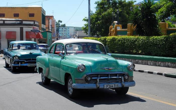 Imagem de carro antigo para texto sobre restauração de carro