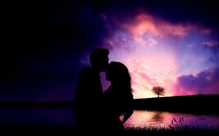 Imagem de casal para texto sobre Rotas Romanticas