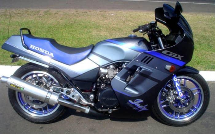 Imagem de moto para texto sobre valor de transferência de moto