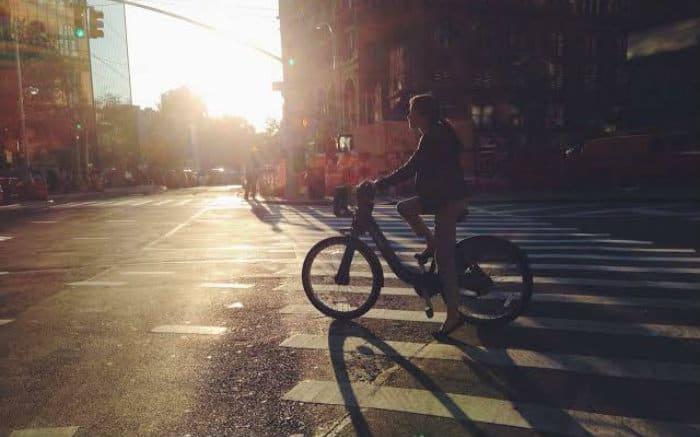 Imagem de bike para texto sobre quanto custa o seguro de bicicleta
