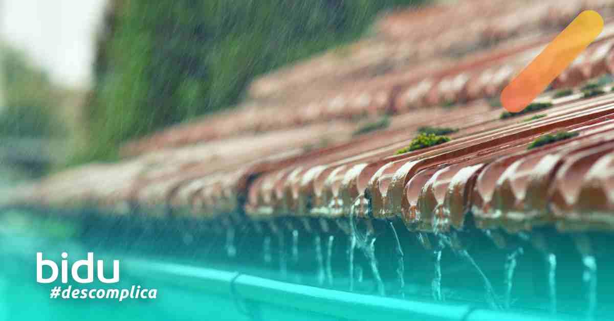 foto de chuva no telhado para texto sobre cuidados com a casa na chuva