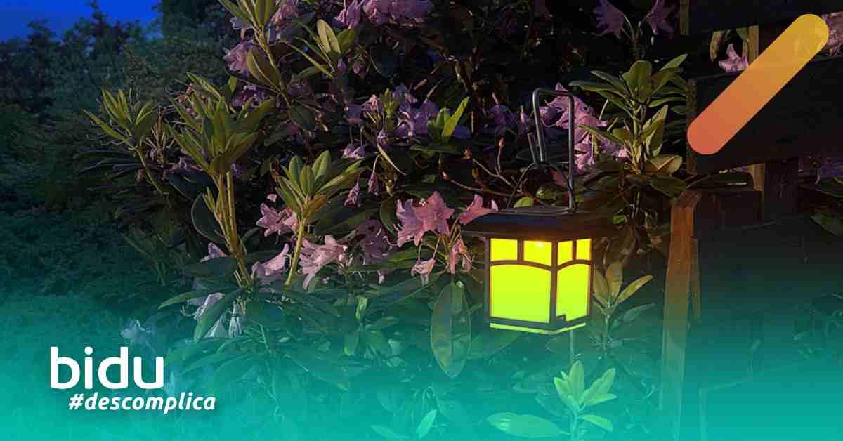 Foto de jardim a noite para texto sobre iluminação para jardim