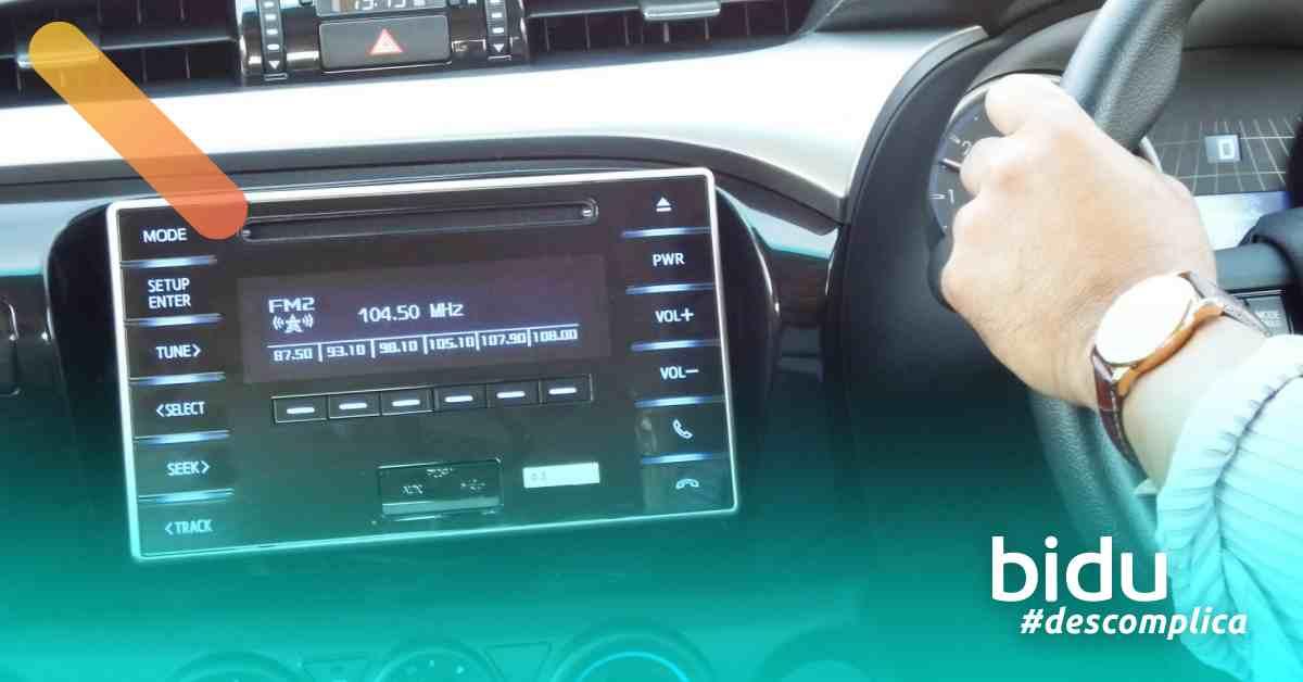 imagem de computador de bordo de carro