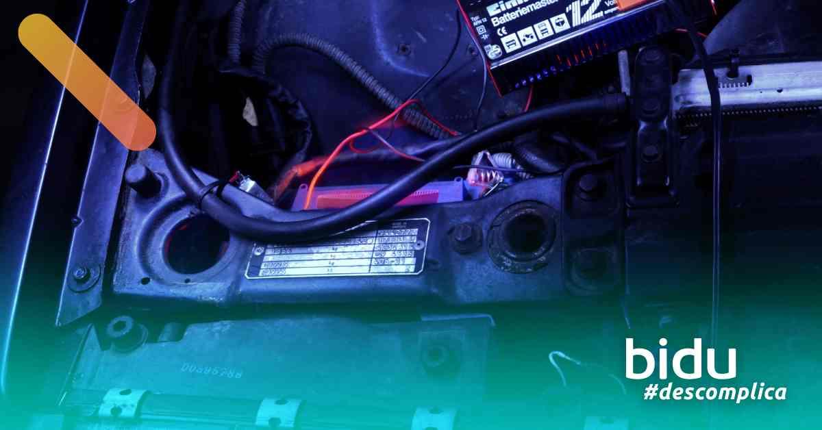 imagem de bateria de carro para texto sobre bateria descarregada