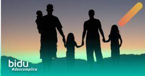 imagem de família para texto sobre carência do seguro de vida
