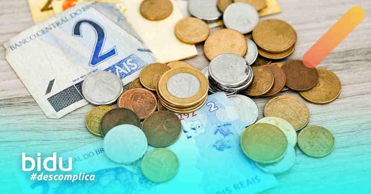 imagem de dinheiro para texto sobre como se organizar financeiramente na crise