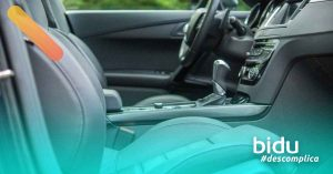 imagem de carro para texto sobre como desinfetar carro