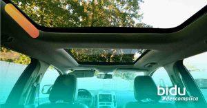 Imagem de carros com teto solar
