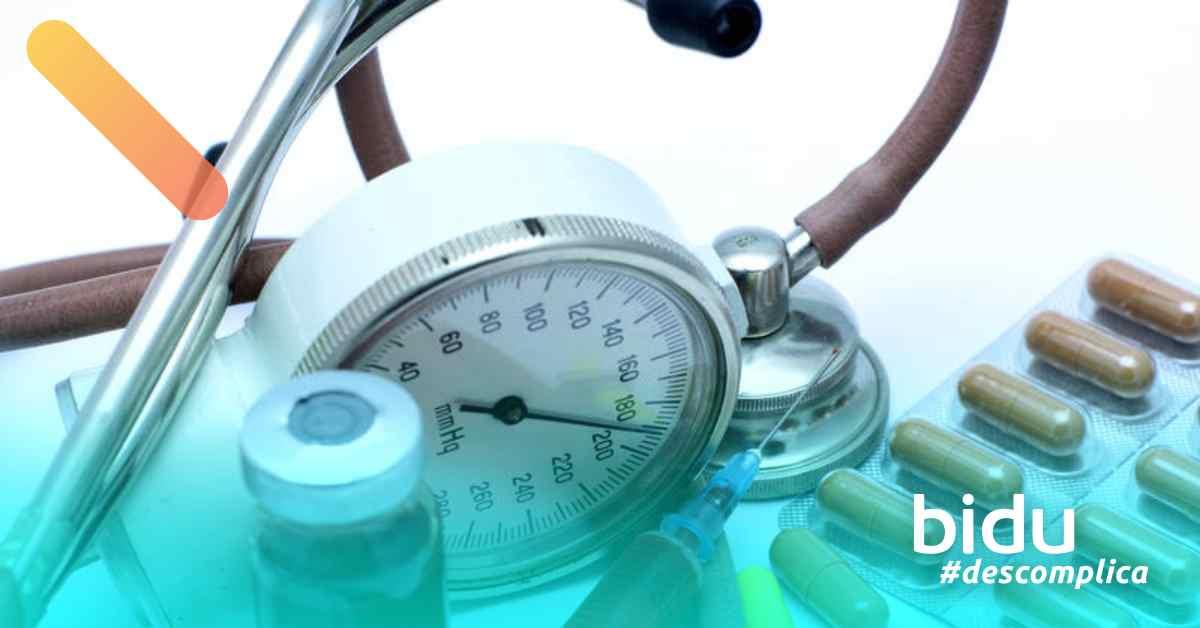 imagem de equipamentos médicos para texto sobre doenças preexistentes no seguro de vida