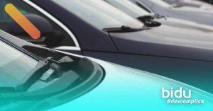 Imagem de carros parados para texto sobre cuidados com carro muito parado