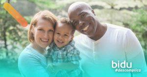 Imagem de familia para texto sobre vantagens do seguro de vida
