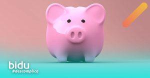 Imagem de cofrinho para texto sobre cancelar seguro residencial para economizar