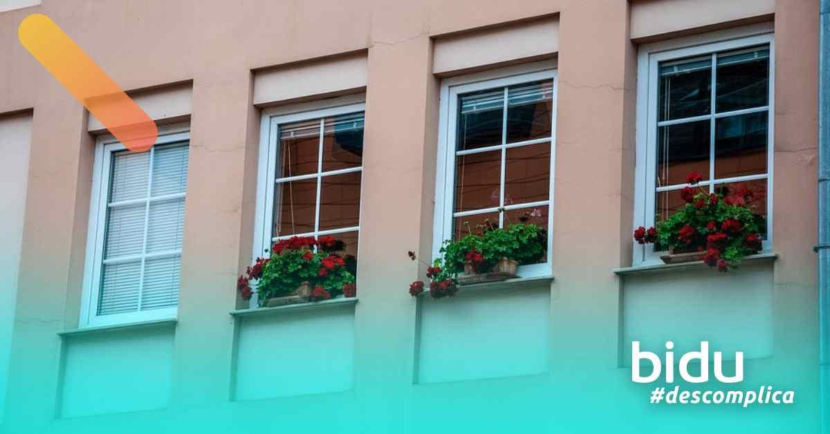 imagem de janela de casa para texto sobre seguro residencial Bradesco