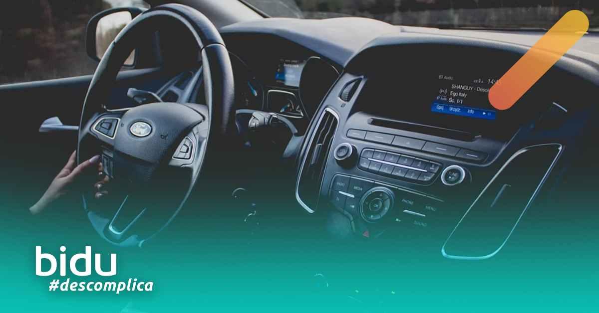 Imagem da parte interna do carro representando o setor auto pós pandemia